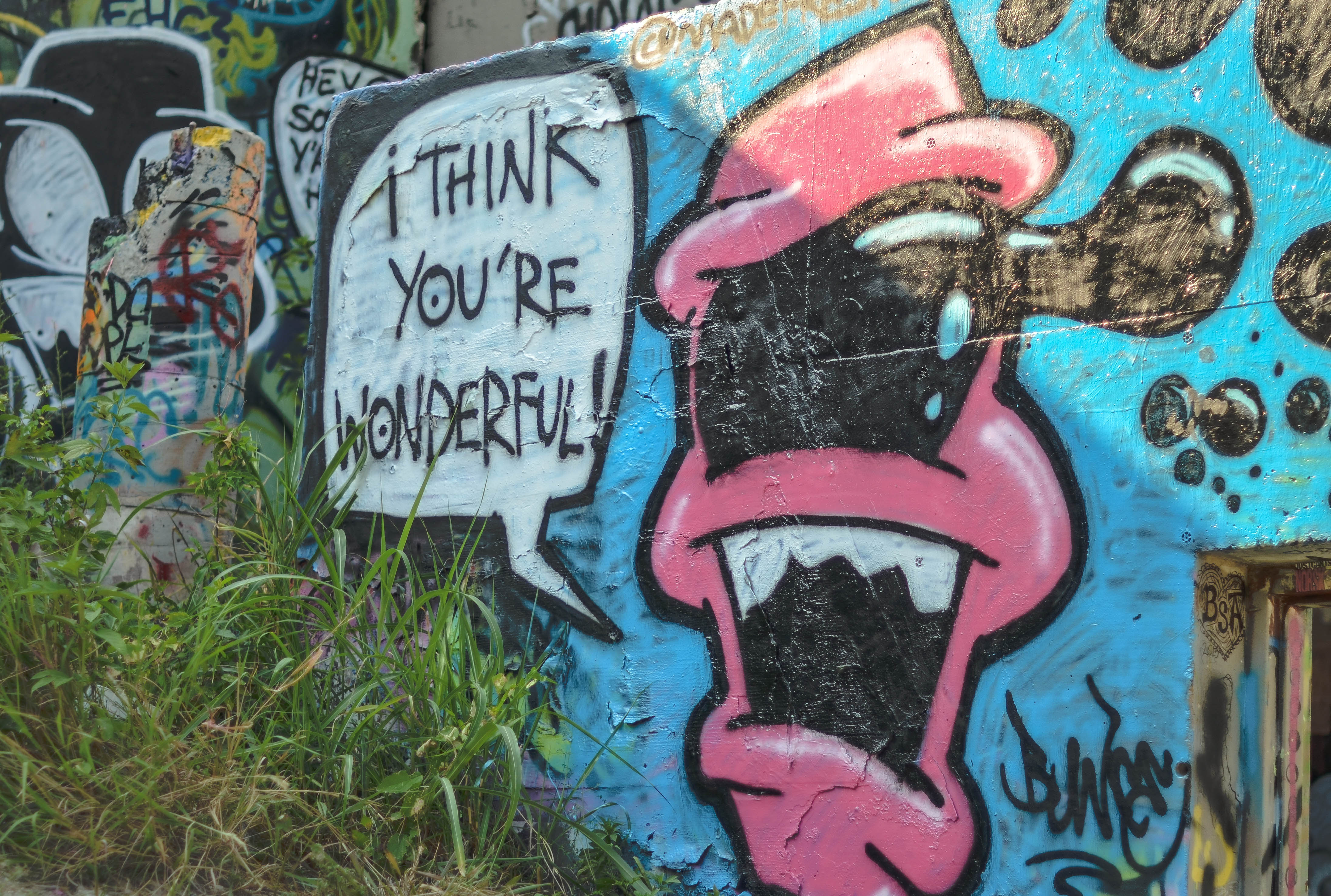 Happy Birthday Schrift Graffiti ~ Austin street art kensfolk